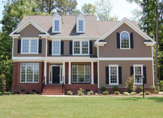 Duży dom z ogrodem