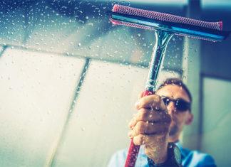 Alpinistyczne mycie okien - ile kosztuje?